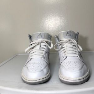 Jordan 1 retro white and gray